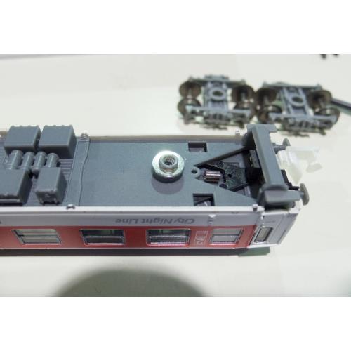 欧州型Nゲージ 自然解放防止カプラー 車高調整型(マイナス0.5~0.6mm) 8両分16個