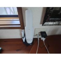 Anker Eufy HomeVac H11 掃除機本体とアタッチメント収納ベース