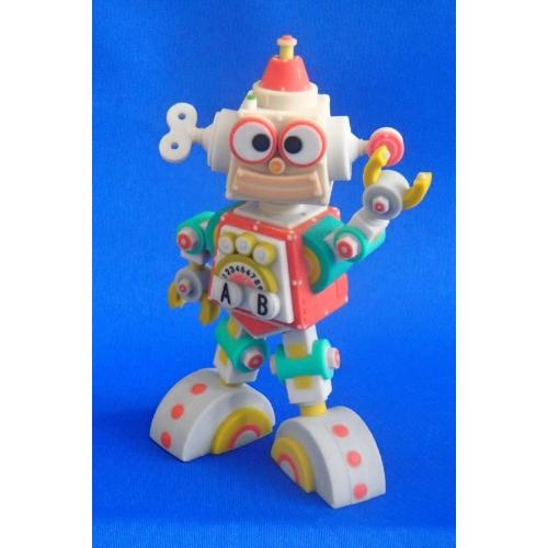 大熊 光男デザイン の ロボット ORA (オラ)