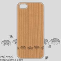 ウッドスマホケース「てくてくハリネズミ」iPhone5/5s