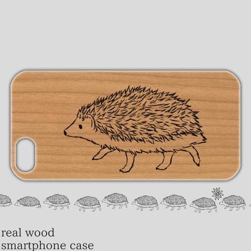 ウッドスマホケース「てくてく歩くハリネズミ」iPhone5/5s