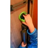 魔の2歳児対策!玄関のロックを突破されないようにするヤーツ